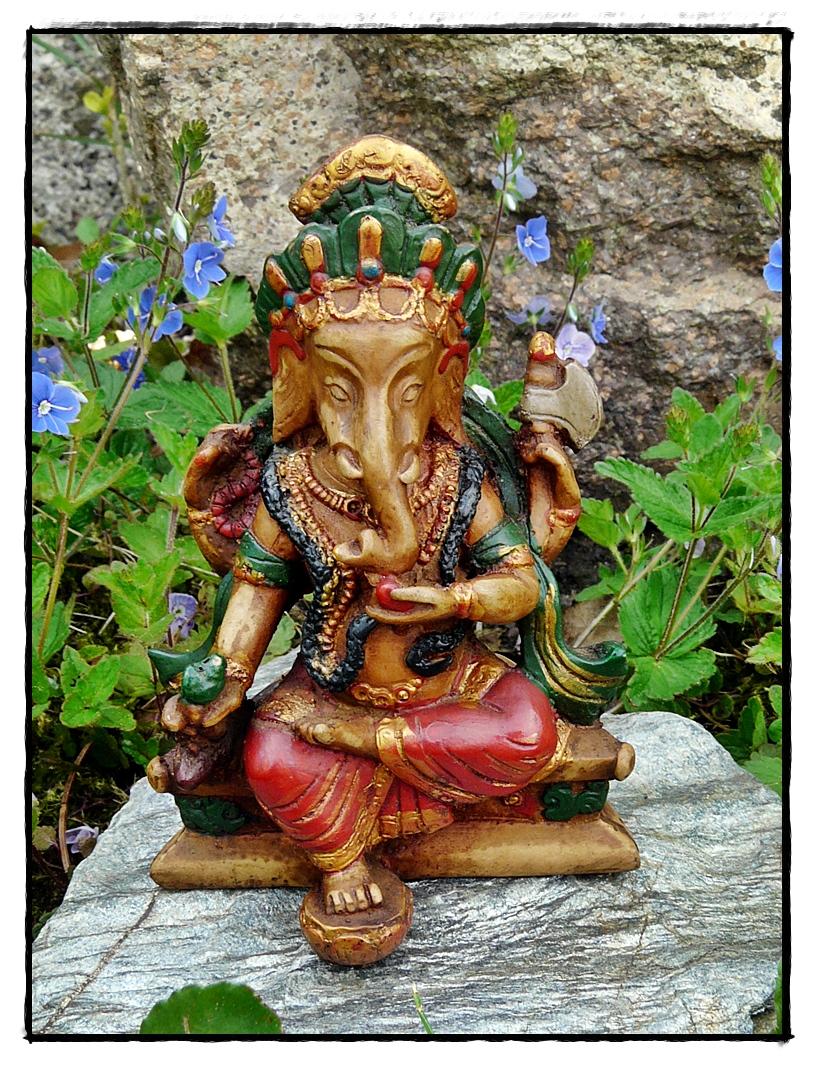 Ganesha Statue handbemalt