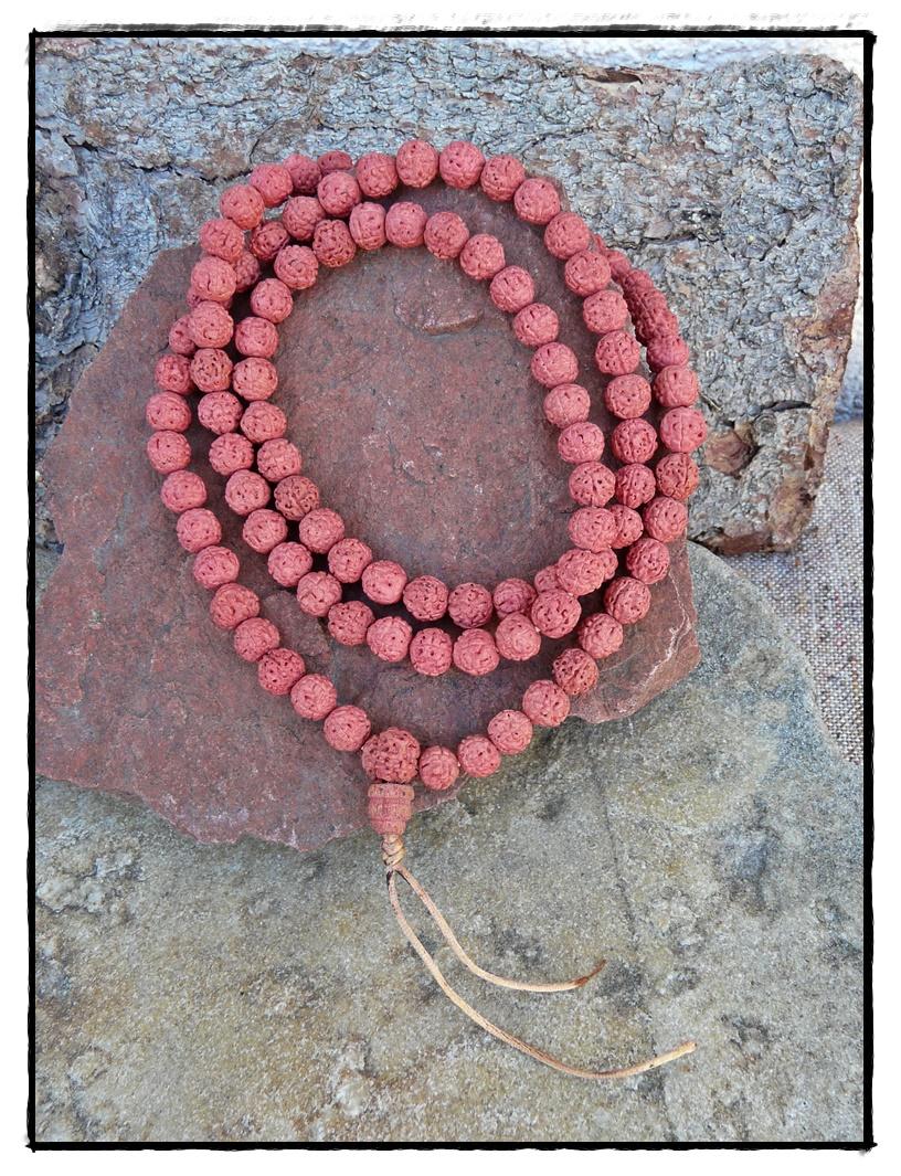 Rudraksha-Mala mit eingefärbten Samen, pink/rosa