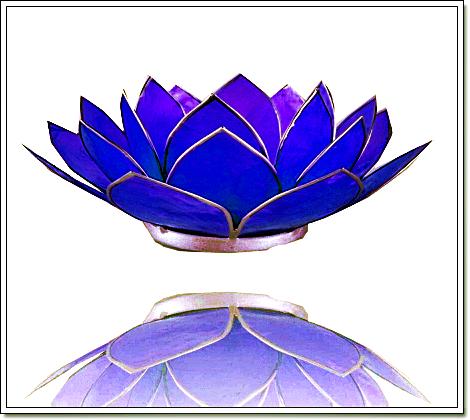 Teelichthalter Lotusblüte aus Muscheln