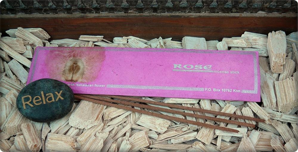 Rose Räucherstäbchen, handgerollt
