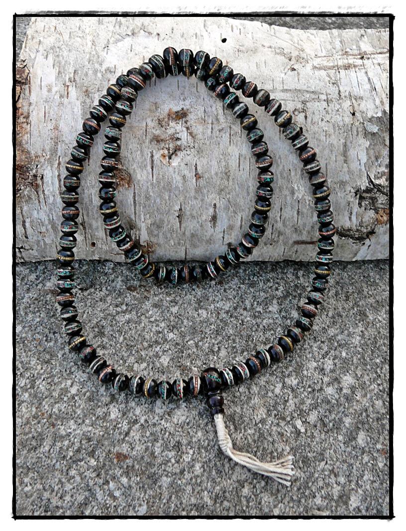 Knochen-Mala mit Intarsien, schwarz