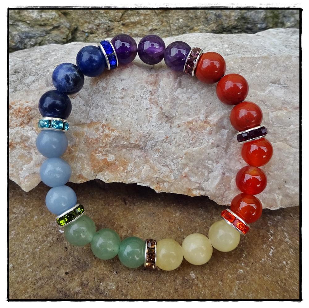 Armband sieben Chakren aus Halbedelsteinen