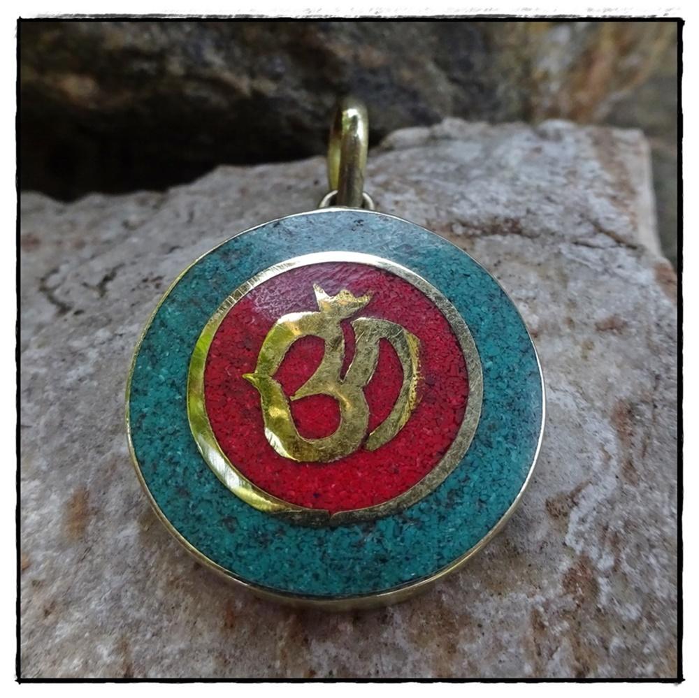 Medaillon OM-Symbol, rot türkis