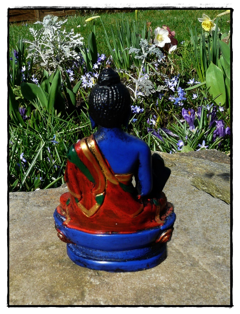 blaue Medizin Buddha Statue Rückseite